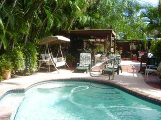 1BD/1BR, pool side studio in Fort Lauderdale!