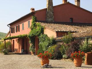 8 bedroom Villa in Castiglione d Orcia, Val d Orcia, Tuscany, Italy : ref