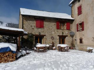 Pyrenees Mountain Cottages Winter snow and ski, Les Angles