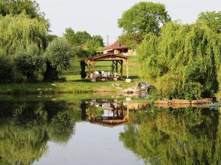 Montagny-pres-Louhans, Les Chenes Cornus, Burgundy