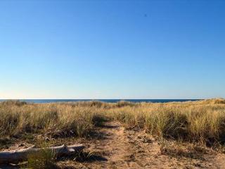 SURF RIDER-CLASSIC BEACH HOME!!, Manzanita