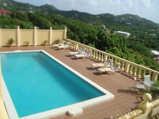 LUXURIOUS OCEAN VIEW VILLA IDEAL FOR FAMILY/FRIENDS SELF CATERING  SLEEPS 12