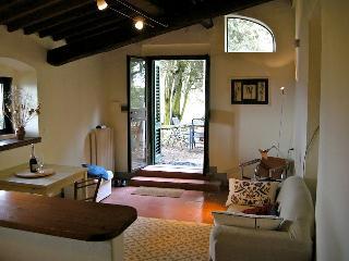 Studio in Medieval Villa near Florence, Bagno a Ripoli