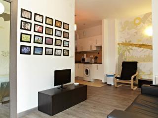 Sunny flat near Sagrada Family