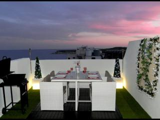 1. Sea View Luxury 2 Bed Penthouse close to Beach!, Marsascala