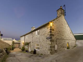 West end cottage & shippon, Eyam