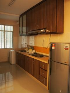 Kitchen with Fridge and washer