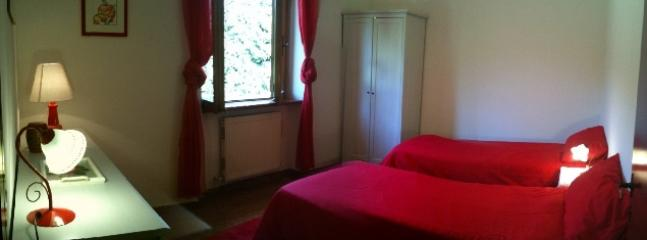 2nd room with 2 single bed