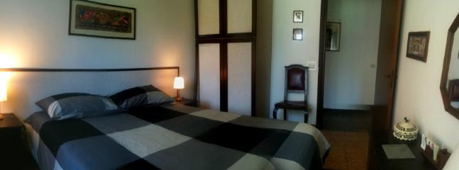 4th room with 2 single bed or 1 matrimonial bed (how u like)