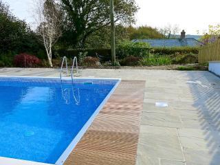 Hartwell (farmhouse in W. Devon with pool)