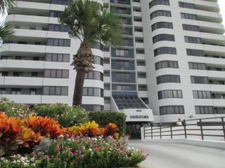 Horizons Condominium 2 bedroom 2 bath Ocean Front, Daytona Beach