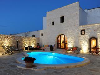 Casale Citrignano con piscina a Ostuni