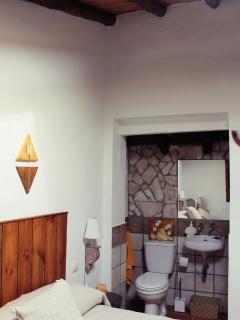Habitación  y aseo integrado