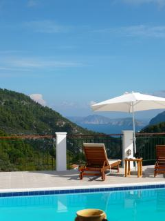 Spectacular sea and mountain views!