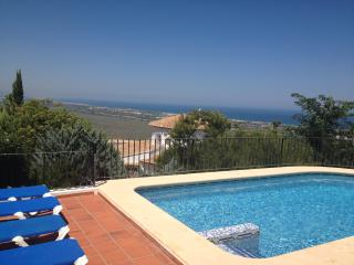 Villa Panoramic, Denia, wifi, aircon, pool, beach, sleeps 6, Costa Blanca