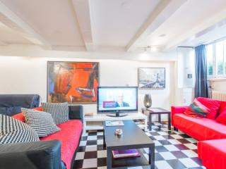 Smokerfriendly Center/Canal apartment, Amsterdã