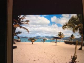 Sunny Studio on the Beach