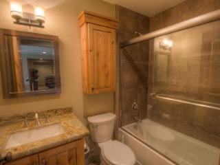 Spectacular Home with Private Hot Tub and Slope Side View ~ RA45182, Glenbrook