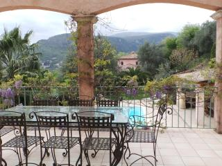 PEACEFUL VILLA W/ POOL & GORGEOUS VIEWS, Tourrettes-sur-Loup