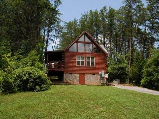 1 Bedroom Private Cabin,Hot tub,Games,Fire Pit,& 5 miles To Town Pigeon Forge, Sevierville