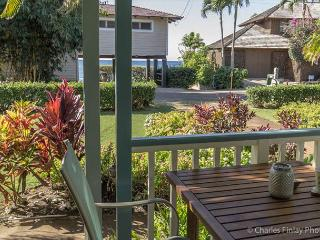 Baby Beach Bungalow, 2bdrm/2bath, opposite sandy, crescent shaped Baby Beach, Poipu