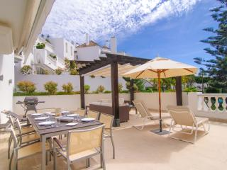 Designer apartment in White Pearl Beach Marbella, Elviria