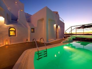 Rosa villa-Beautiful Villa with Caldera View, Firostefani