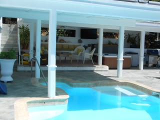 Best priced 2BR w/ Ocean View and Pool