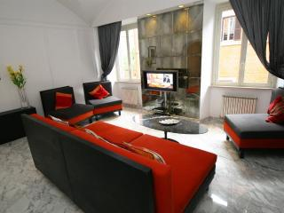 Crispi Marble Luxury Apartment, Rome