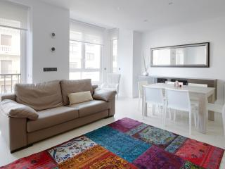 Gros Beach Apartment - By the beach & Old Town, Donostia-San Sebastián