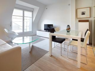 Easo Suite 5 - Luxury apartment in the city centre, Donostia-San Sebastián
