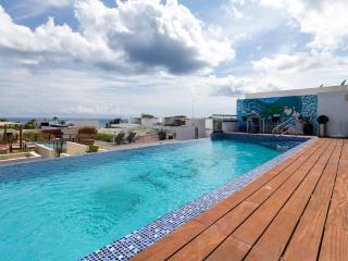 Spacious Flat with Amazing Pool  - SO303, Playa del Carmen