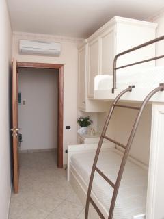twinn bedroom