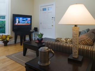 Family Vacation Rental in Cambridge (M873-1)