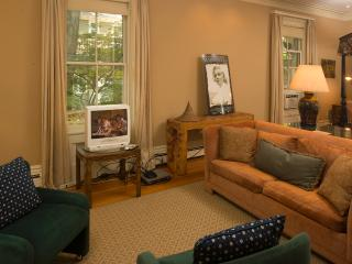 Murhouse Suite (M801), Boston