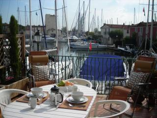 Port Grimaud Waterside Apartment - nr St Tropez