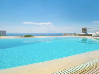 Villa with amazing sea view- private swimming pool, Mykonos