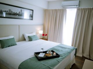 San Telmo -  1 Bedroom Deluxe Vacation Apartment!, Buenos Aires