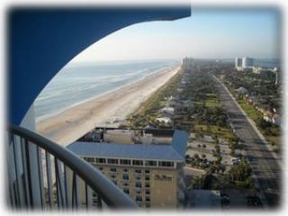 Peck Plaza Beach Retreat - Best Views in Daytona, Daytona Beach