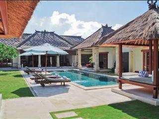 4Br Luxury Seminyak Villa Vara