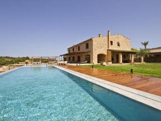 4 bedroom Villa in Sant Llorenc Des Cardassar, Manacor, Baleares, Mallorca : ref 2213394, Son Macia