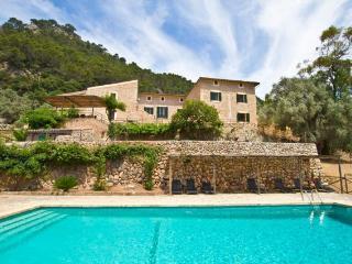6 bedroom Villa in Bunyola, Baleares, Mallorca : ref 2213396