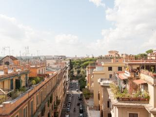 Fantastic apt. with view on Rome