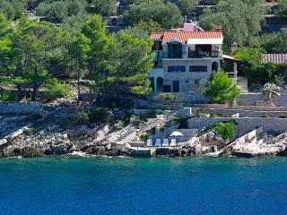 Beautiful seaside house, Vela Luka