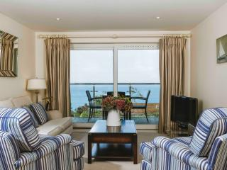 Bright Wings, 5* Hawkes Point apartments, Carbis Bay