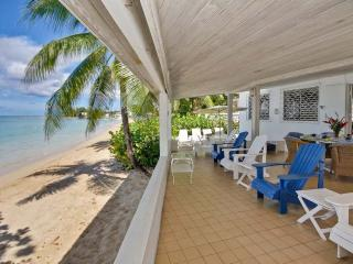 Aquamarine - Comfortable Beachfront Home