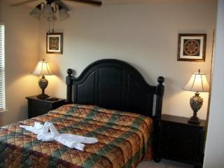 3 Bedroom Sleeps 6 Bella Piazza - WHU 93496, Davenport