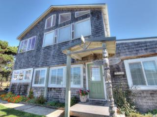 Oceanside Home - Stunning Ocean View!, Yachats