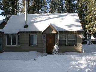 1 bdrm + Loft Big Bear Cabin sleeps 4 (Marin loft), Big Bear Region