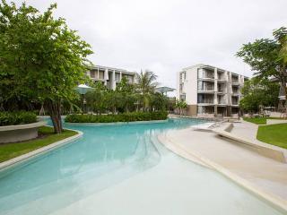 2 BR Beach front condo at Hua Hin with Pool view
